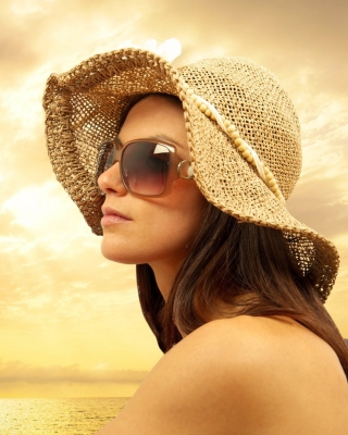 Romantic Girl near Sea - Fondos de pantalla gratis para iPhone SE
