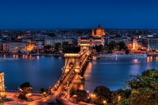 Budapest Background for Android, iPhone and iPad