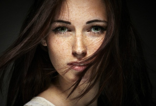 Free Brunette With Freckles Picture for Android, iPhone and iPad