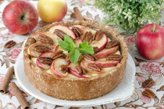 Apple Pie with Walnut Picture for Android, iPhone and iPad