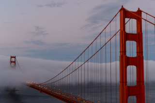 Golden Gate Bridge in Fog sfondi gratuiti per Android 480x800