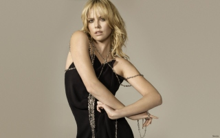 Charlize Theron In Little Black Dress Wallpaper for Android, iPhone and iPad