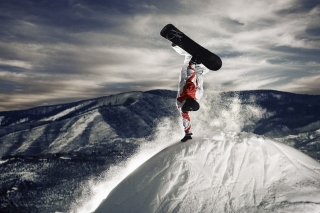 Snowboarding in Austria, Kitzbuhel Wallpaper for Android 320x480