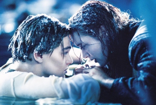 Titanic Final Moment Wallpaper for Nokia Asha 201