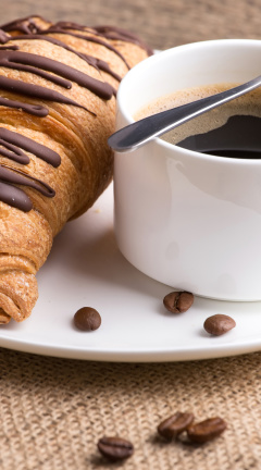 Screenshot №1 pro téma Breakfast with Croissant 240x432