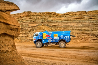 Kamaz Rally Car Background for HTC Desire HD