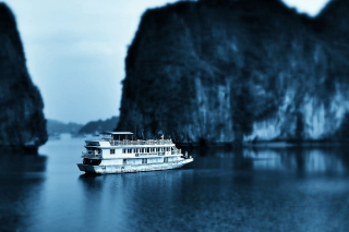 Ha Long Bay in Vietnam Picture for Android, iPhone and iPad