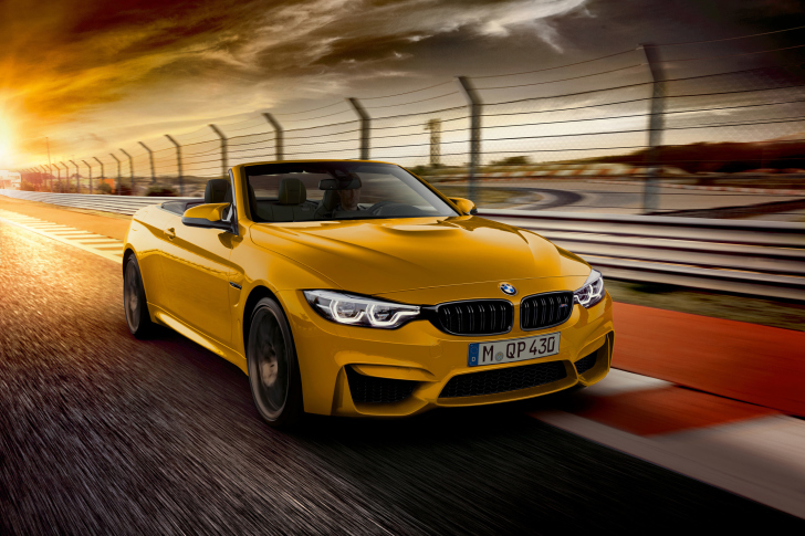 BMW M4 Convertible wallpaper