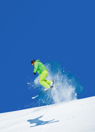 Free Extreme Skiing Picture for Nokia C-5 5MP