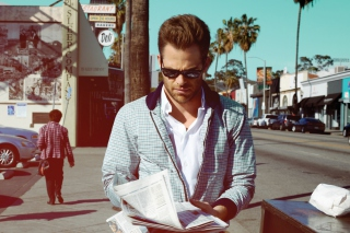 Free Chris Pine Picture for Android, iPhone and iPad