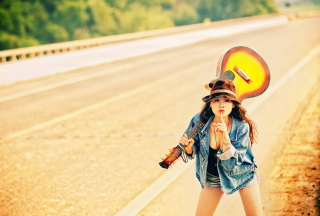 Girl, Guitar And Road sfondi gratuiti per cellulari Android, iPhone, iPad e desktop