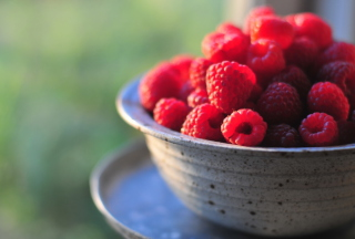 Free Summer Raspberry Picture for Android, iPhone and iPad