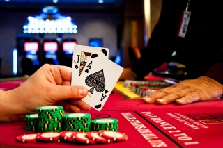 Play blackjack in Casino Wallpaper for Android, iPhone and iPad