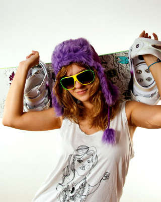 Free Snowboard Equipment Picture for 360x640