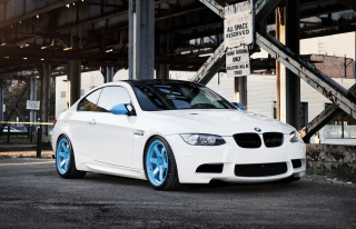 Free BMW M3 Picture for Android, iPhone and iPad