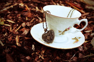 Free Heart Pendant And Vintage Cup Picture for Android, iPhone and iPad