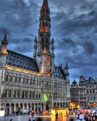 Brussels Grote Markt and Town Hall - Obrázkek zdarma pro Nokia C1-02