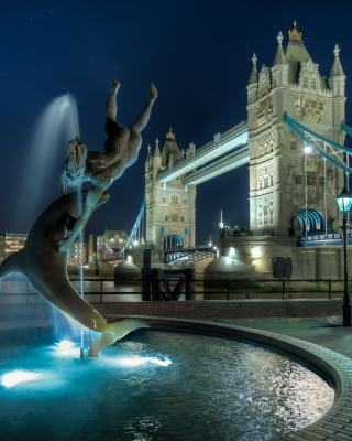 Free Tower Bridge in London Picture for iPhone 6 Plus