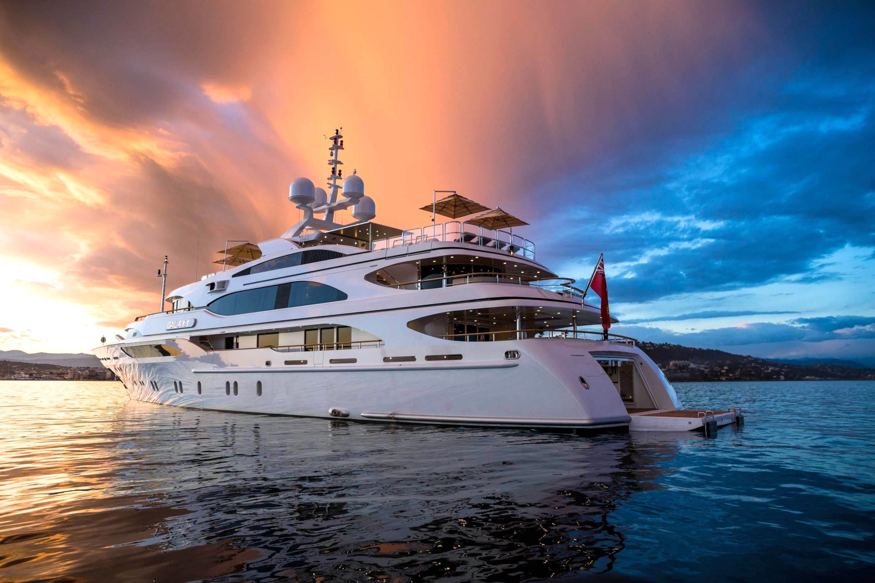 Screenshot №1 pro téma Superyacht In Miami 2880x1920
