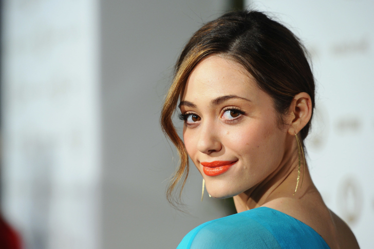 Sfondi Emmy Rossum Cute Girl
