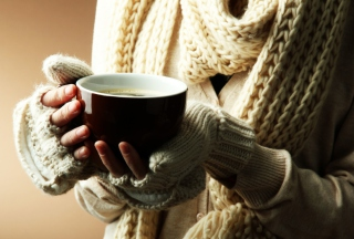 Hot Cup Of Coffee In Cold Winter Day - Obrázkek zdarma