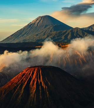 Free Volcano Picture for Nokia Asha 306