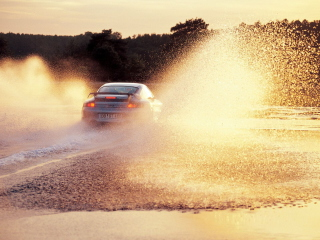Porsche GT2 In Water Splashes Picture for Android, iPhone and iPad