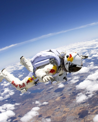 Free Astronaut in Outer Space Picture for Nokia C1-01