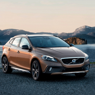 Volvo V40 Cross Country Picture for 2048x2048
