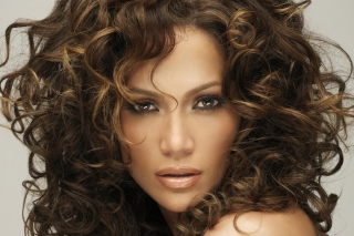Jennifer Lopez With Curly Hair - Obrázkek zdarma pro LG P500 Optimus One