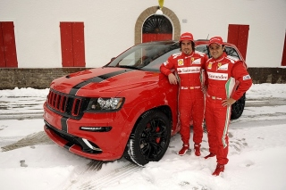 Jeep Grand Cherokee SRT8 Ferrari Edition sfondi gratuiti per Samsung I9080 Galaxy Grand