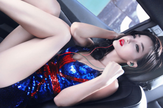 Asian Girl in Car Background for 220x176