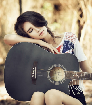 Free Pretty Girl With Guitar Picture for Nokia Asha 503