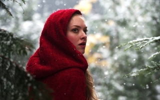 Free Amanda Seyfried In Red Riding Hood Picture for Samsung Galaxy S6