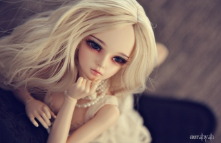Gorgeous Blonde Doll sfondi gratuiti per cellulari Android, iPhone, iPad e desktop
