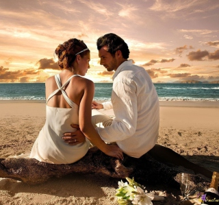 Couple On The Beach - Fondos de pantalla gratis para 1024x1024