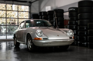 Free Retro Porsche Picture for Android, iPhone and iPad