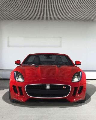 Jaguar F Type in Parking sfondi gratuiti per iPhone 6 Plus