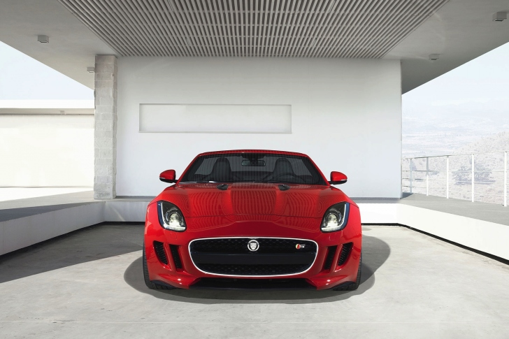 Das Jaguar F Type in Parking Wallpaper