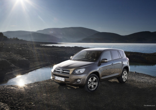 Free Toyota RAV4 Picture for Android, iPhone and iPad