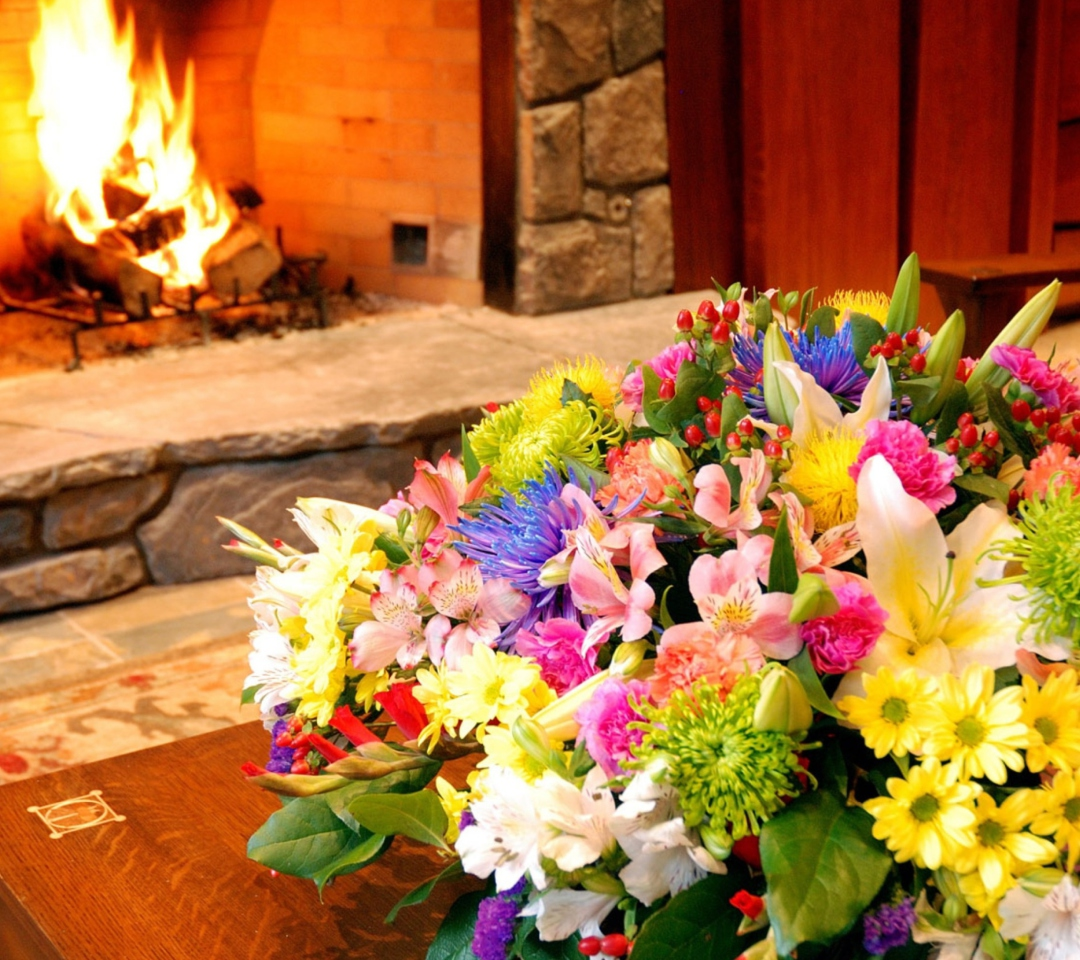 Bouquet Near Fireplace para Motorola RAZR XT910