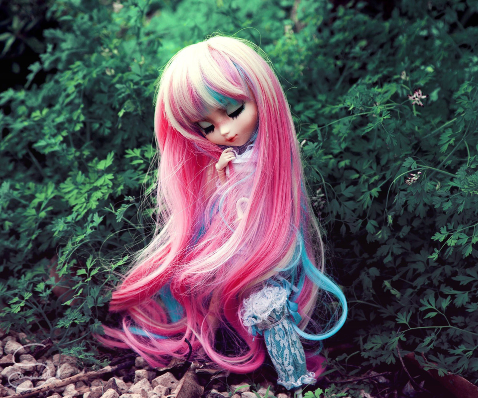 Fondo de pantalla Doll With Pink Hair 960x800