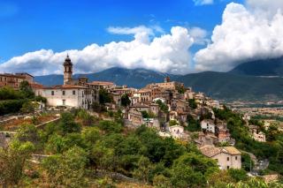 Capestrano Comune in Abruzzo Wallpaper for Android, iPhone and iPad