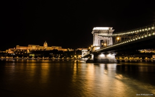 Chain Bridge at Night in Budapest Hungary - Obrázkek zdarma