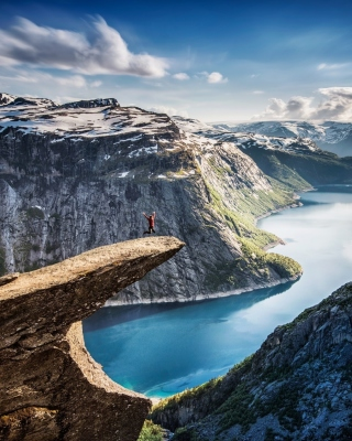 Trolltunga Picture for iPhone 6 Plus