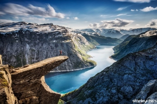 Trolltunga Background for Android, iPhone and iPad