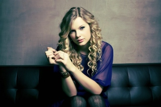 Free Taylor Swift Picture for Android, iPhone and iPad