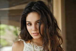 Vanessa Hudgens Background for HTC EVO 4G