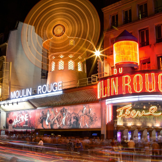 Moulin Rouge cabaret in Paris sfondi gratuiti per iPad mini