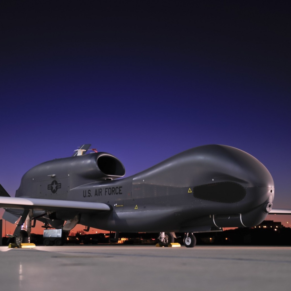 Sfondi Northrop Grumman RQ 4 Global Hawk surveillance aircraft 1024x1024